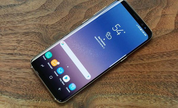 Samsung galaxy S8 plus - factory unlocked with box and accessories -30 days warranty