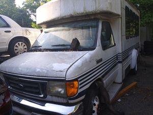 FORD MINI BUS E350 for Sale in Lawrenceville, GA