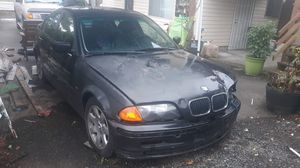 Parting out 1999 BMW 323i for Sale in Everett, WA