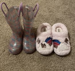 Toddler Rain boots & Slippers for Sale in Hayward,  CA