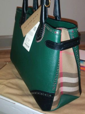 Burberry Hand Bag for Sale in Nashville, TN