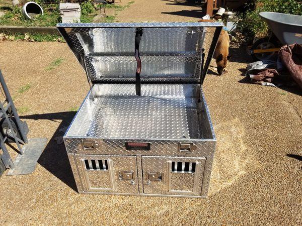 Owens dog kennel. Barely used, kept inside.