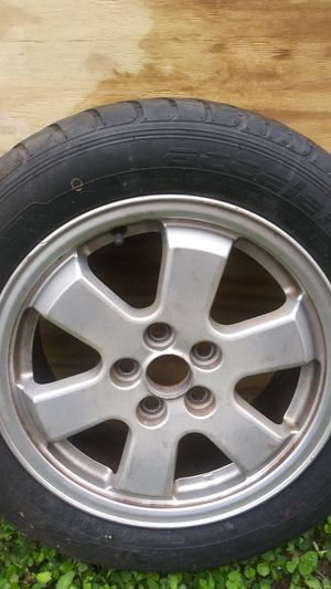 PRIUS rim and good tire for full size spear for Sale in Orlando, FL