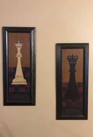 King and Queen wooden pics. for Sale in Ashburn, VA