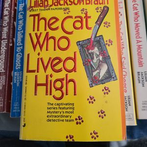 The Cat Who Lived High Lillian Jackson Braun, Paperback for Sale in Auburn, WA