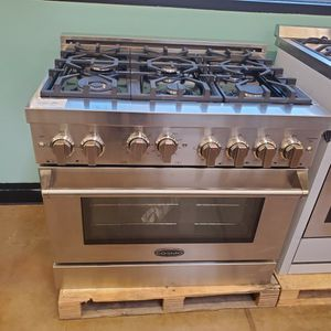 "Cosmo 36"" Pro Style Gas Slide In Range for Sale in Orange, CA"
