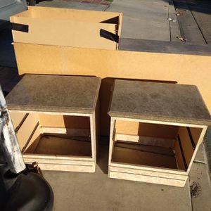 FREE Dresser And Nightstand for Sale in San Bernardino, CA