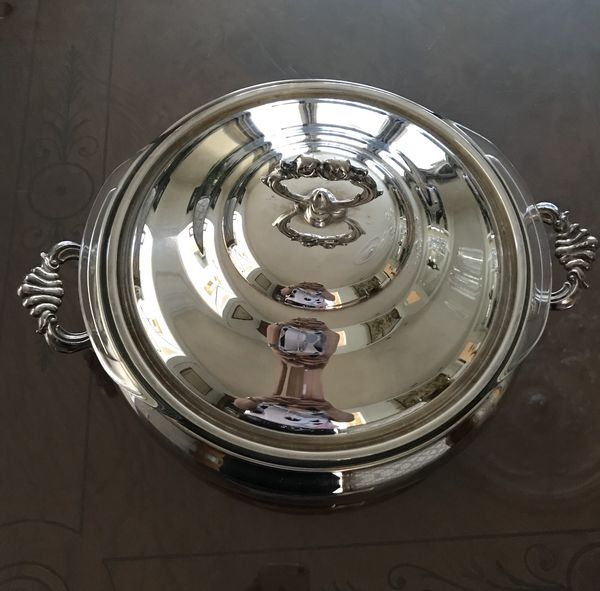 Vintage Silver plated Chafing dish with Pyrex matching bowl