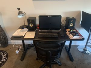 HP computer and wireless monitor desk and chair for Sale in Dallas, TX