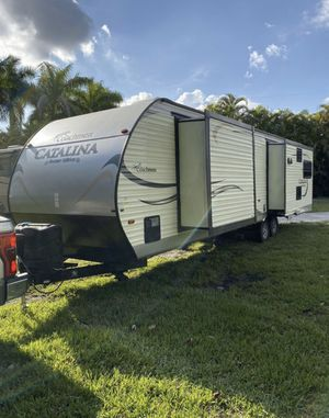 Coachman Catalina Travel Trailer 3 Living sides for Sale in LAKE CLARKE, FL