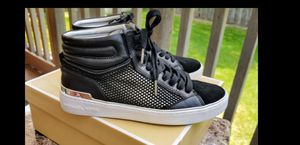 Michael kors high top sneakers size 8.5 for Sale in Salt Lake City, UT