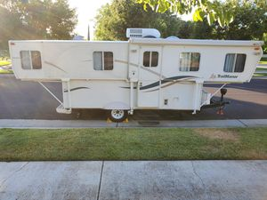 RARE RV!!! Trailmanor 2619 (26' HARD WALL pop-up camper/travel trailer) for Sale in Elk Grove, CA