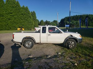 Nissan truck for Sale in Ravenna, OH