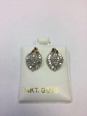 14k Diamond cluster earrings for Sale in Miami, FL
