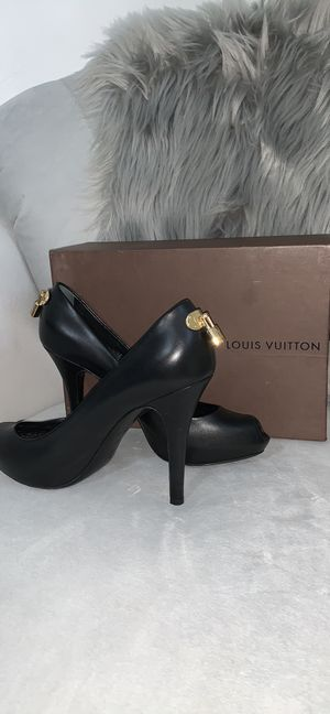 Louis Vuitton Lock Heels for Sale in Wexford, PA
