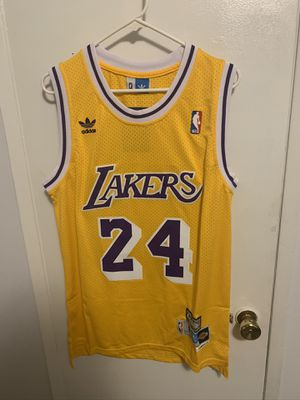 Kobe Bryant #24 yellow Los Angeles lakers retro jersey for Sale in San Fernando, CA