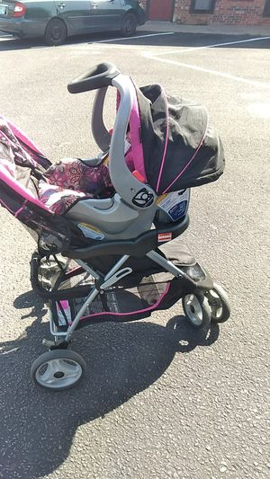 Stroller plus car seat for Sale in Lawton, OK