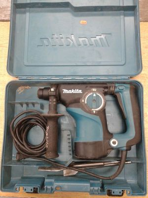 "Makita HR2811F 1-1/8"" SDS-Plus Rotary Hammer Drill for Sale in Baltimore, MD"