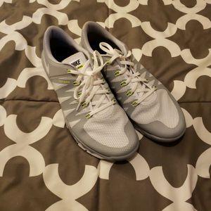 Nike White Shoes for Sale in Pekin, IL