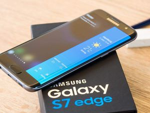 SAMSUNG Galaxy S7 Edge,, UNLOCKED,, Excellent Condition. for Sale in Springfield, VA