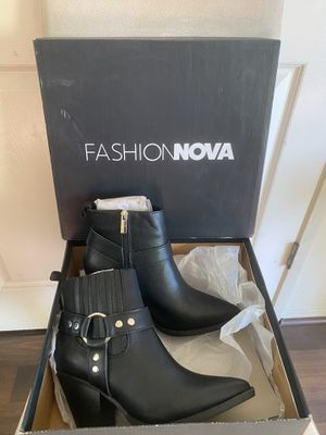 Fashion nova boots for Sale in Long Beach, CA