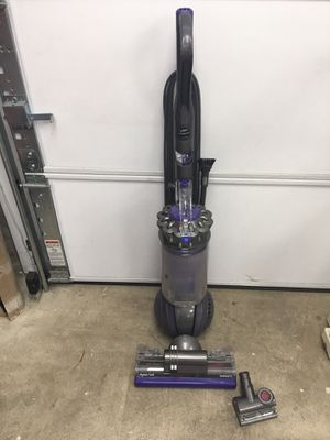 Dyson Ball - Animal 2 upright Bagless Vacuum for Sale in Redmond, WA