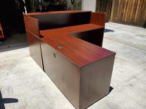 Receptionist desk with credenza for Sale in Riverside, CA