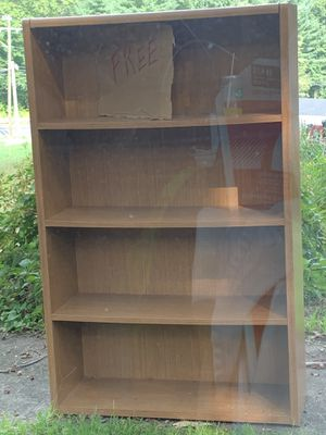 Curb Alert-Free Bookcase for Sale in Naugatuck, CT