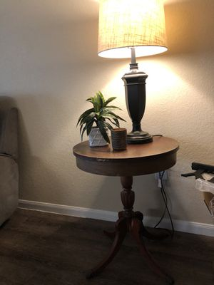 Vintage antique small round wooden pedestal table for Sale in Austin, TX