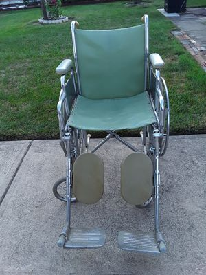 VIP BRAND WHEELCHAIR for Sale in Brook Park, OH