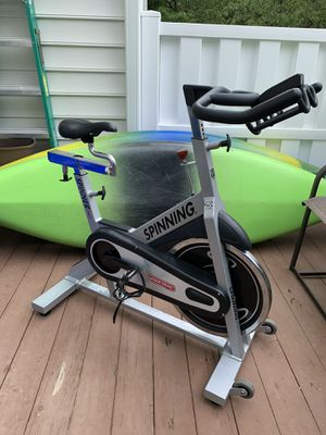 Star trac spinning bike for Sale in Germantown, MD