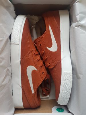New Nike SB Janoski Size 8.5 Men's for Sale in Vancouver, WA