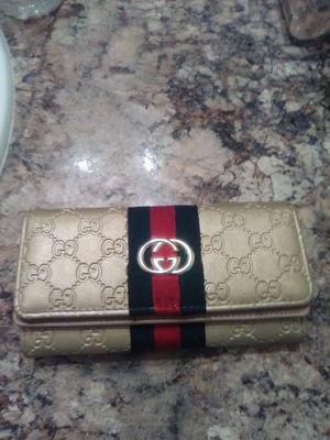 Real Ladies Gucci Wallet for Sale in Largo, FL