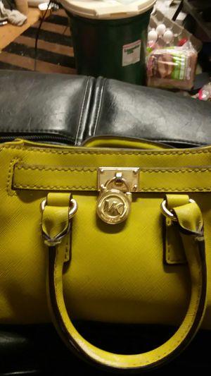 Michael Kors Hamilton mini messenger crossbody bag vintage yellow for Sale in Littleton, CO