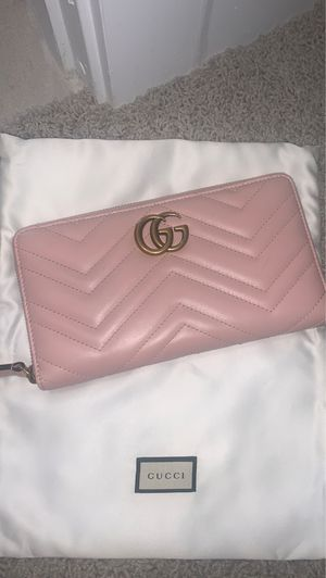 GUCCI GG Marmont Wallet - Baby Pink for Sale in Scottsdale, AZ
