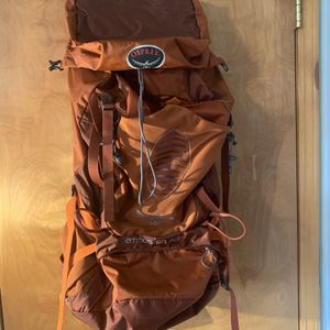 Osprey Atmos AG 50 Backpack for Sale in Queens, NY