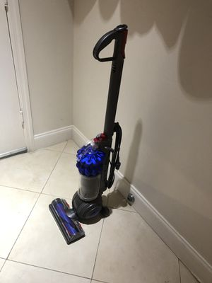 Dyson vacuum for Sale in Fort Lauderdale, FL
