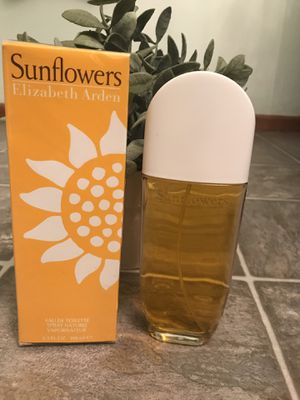Elizabeth Arden Sunflowers 3.3 OZ for Sale in Burlington, WA