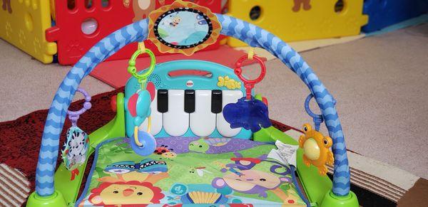 Fisher-Price Kick 'n Play Piano Gym