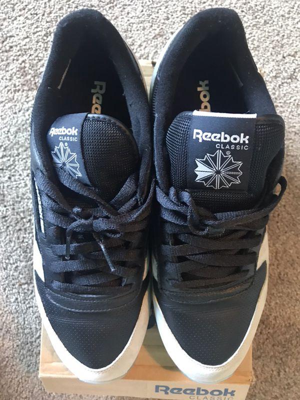 Reebok Classic - Black Grey Gum Sole Size 11s