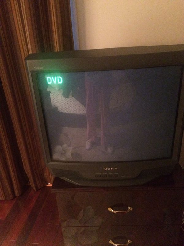 Sony Trinitron KV-27S66 27 - CRT television with remote for Sale in  Germantown, MD - OfferUp