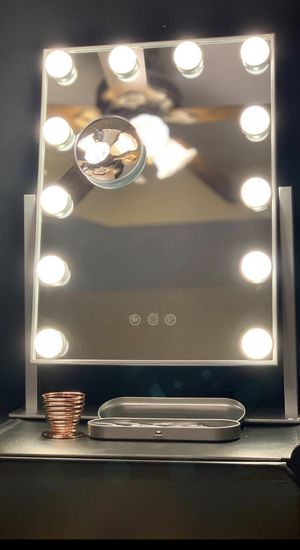 Small Makeup Vanity Mirror for Sale in Benbrook, TX
