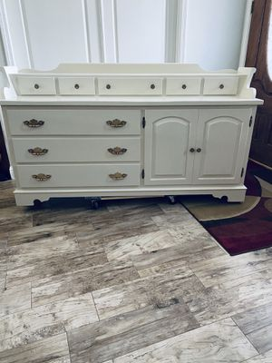Dresser/buffet/8- drawers/3- pullout drawers inside cupboard/SEE PHOTO for Sale in Bakersfield, CA
