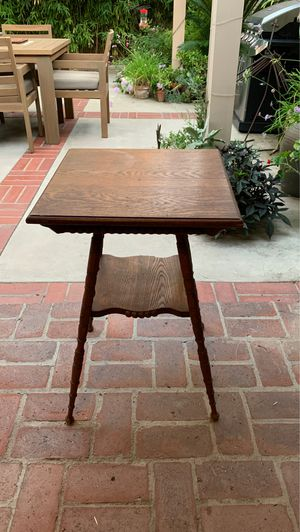 Antique lamp table oak for Sale in Anaheim, CA