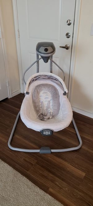Graco Newborn/Infant Swing and Sound Soother for Sale in Wylie, TX