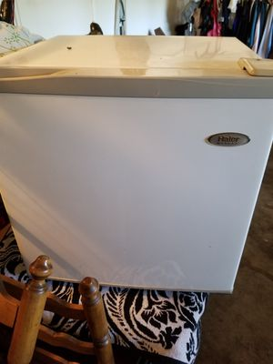 Mini fridge good condition. Works great. for Sale in Riverside, CA
