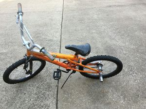 "BOYS BIKE BMX 20"" , BRAND NEW PEDALS... GOOD CONDITION for Sale in Dallas, TX"