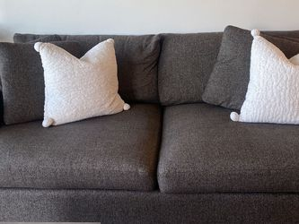Crate and Barrel Lounge Couch for Sale in Walnut Creek,  CA