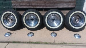 """Moon 15inch chrome rims with 2""""inch white walls for Sale in Chicago, IL"""