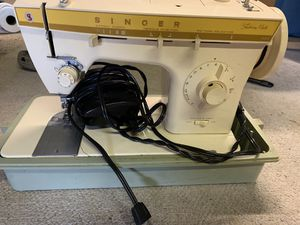 Fashion Mate 360 Vintage Sewing Machine for Sale in Rustburg, VA